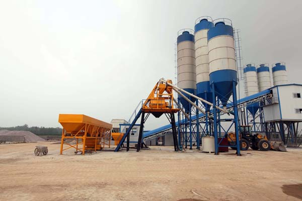 Concrete batching plant overview (2)